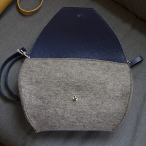 as_bag_gray_felt_open